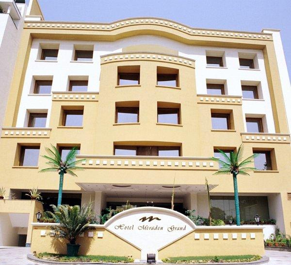 Hotel Meraden Grand Varanasi